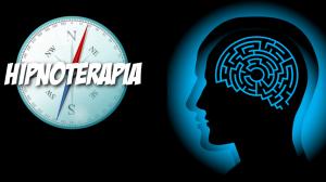 """Brújula con la palabra """"hipnoterapia"""" y una silueta de cabeza humana con un laberinto en lugar del cerebro."""