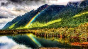 El arcoiris sobre las montañas