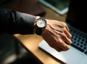 de donde sacar tiempo reloj mano